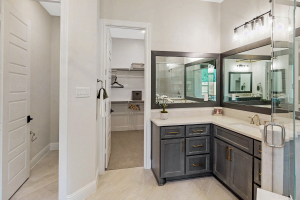 M/I Homes at Woodtrace Master Bathroom