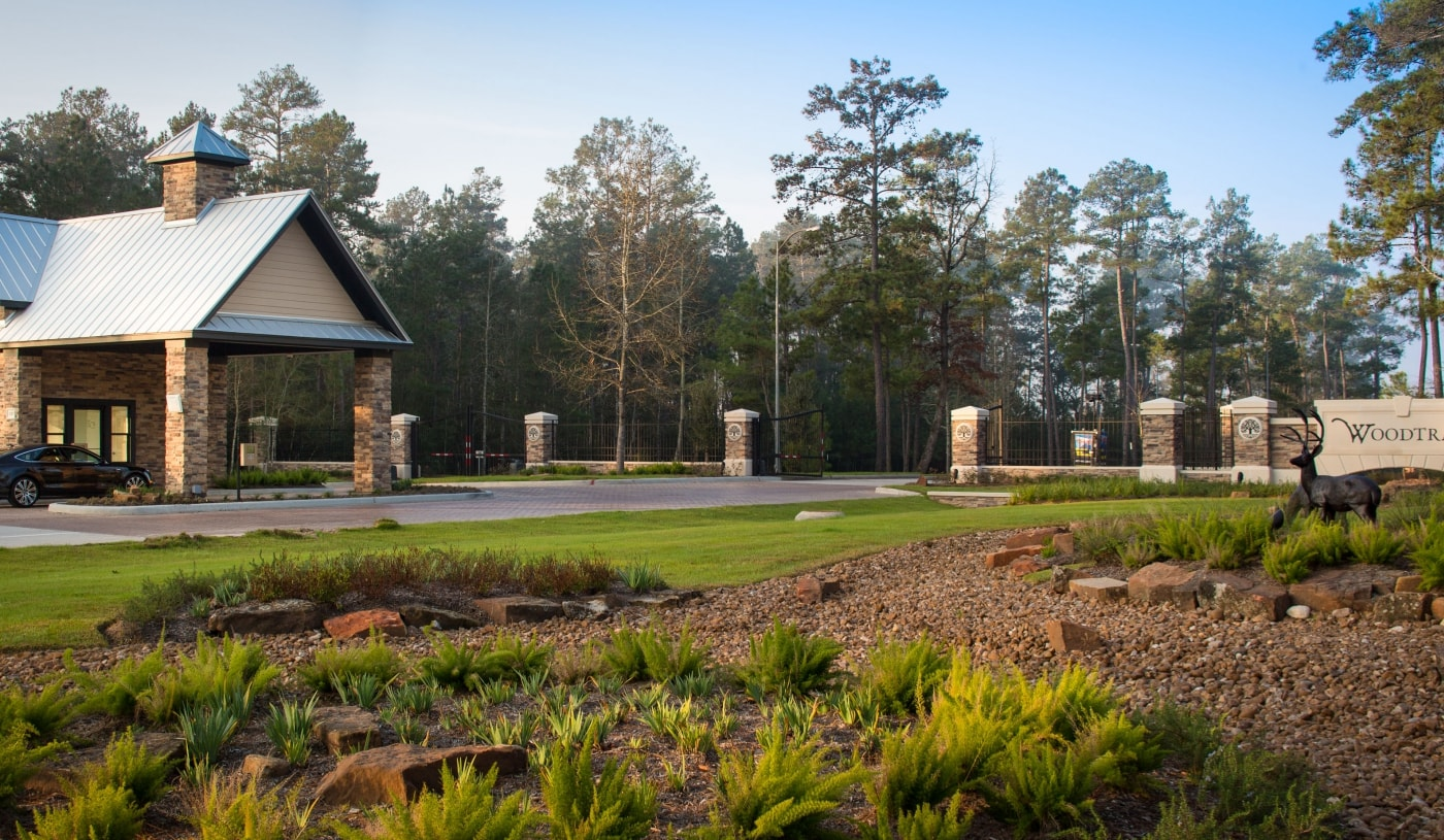 Woodtrace Community Entrance